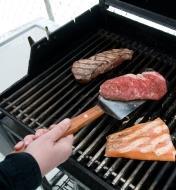 09A0418 - Barbecue Grill Spatula