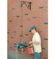 AE402 - Hanging Basket Pulley