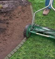XK560 - Flexible Lawn Edging