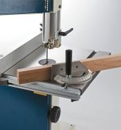 03J7364 - Guide à onglets pour scie à ruban d'établi 10po Rikon