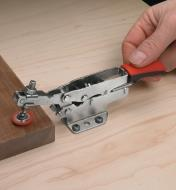 17F7210 - Small Bessey Flat-Mount Horizonal Auto-Adjust Toggle Clamp, each