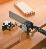 05T0405 - Right-Angle Guide with Saw