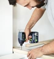 Assembling cabinets using the Festool TID 18 Cordless Impact Screwdriver