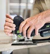 Cutting a workpiece using the Festool Carvex PSC 420 Cordless Pendulum Jigsaw