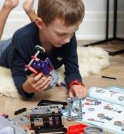 45K4301 - Engins robotisés à assembler: astromobiles et véhicules