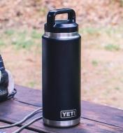74K0060 - 26 oz Yeti Bottle, Black