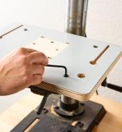 Securing the table top to the mounting plate