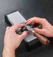 Sharpening a chisel on a GlassStone HC stone