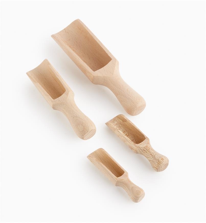 09A0396 - Pelles à épices en hêtre, le jeu de 4