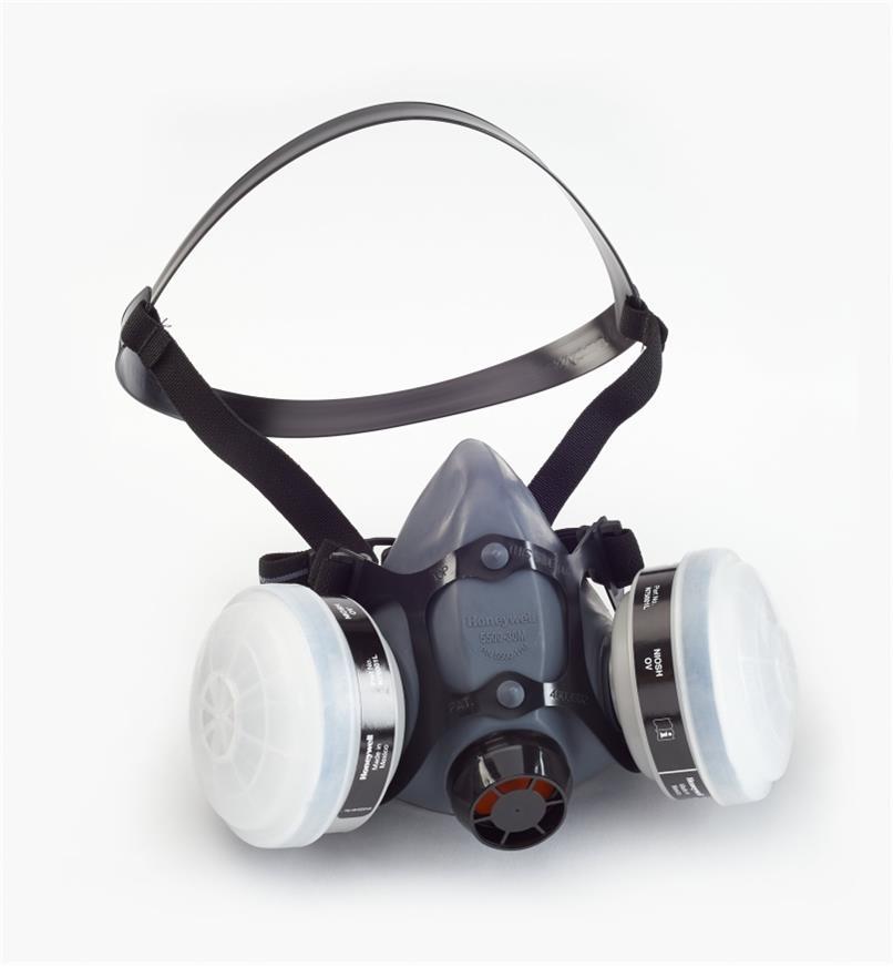 22R2003 - Large Standard Respirator