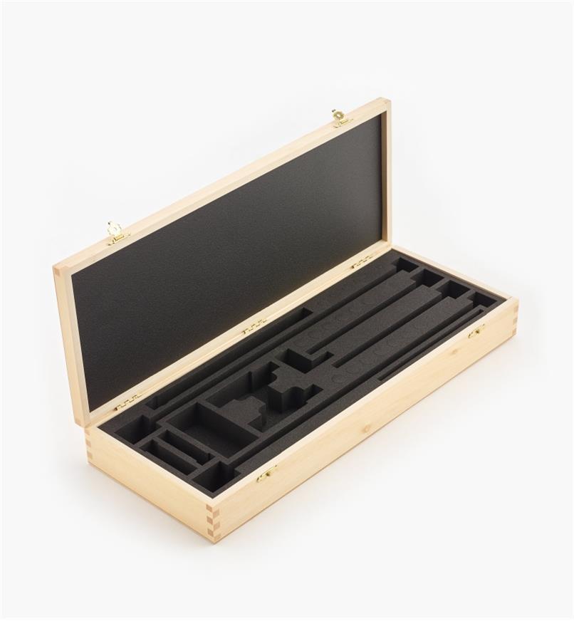 05J0611 - Coffret de rangement en bois