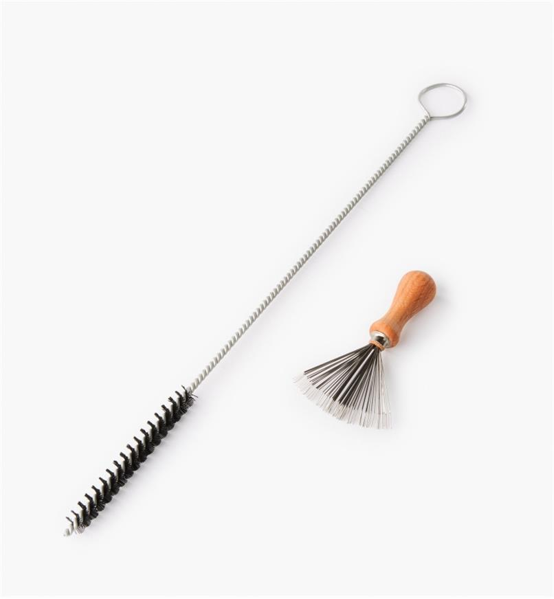 DB412 - Set of 2 Cleaning Brushes For Unpleasant Jobs
