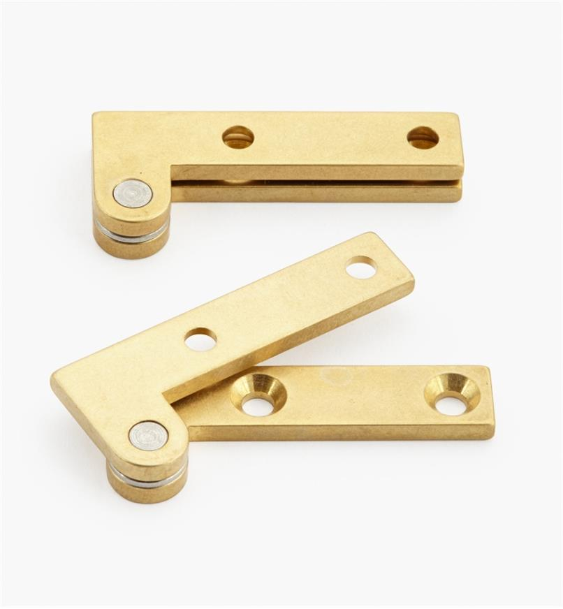 "05H0135 - 5/8"" x 1 1/2"" x 3/32"", Brass Double-Offset Knife Hinges, pair"