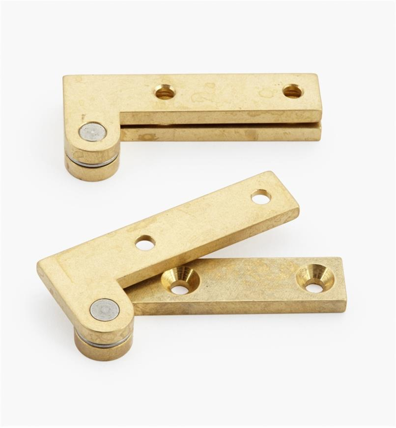 "05H0136 - 3/4"" x 1 3/4"" x 1/8"", Brass Double-Offset Knife Hinges, pair"