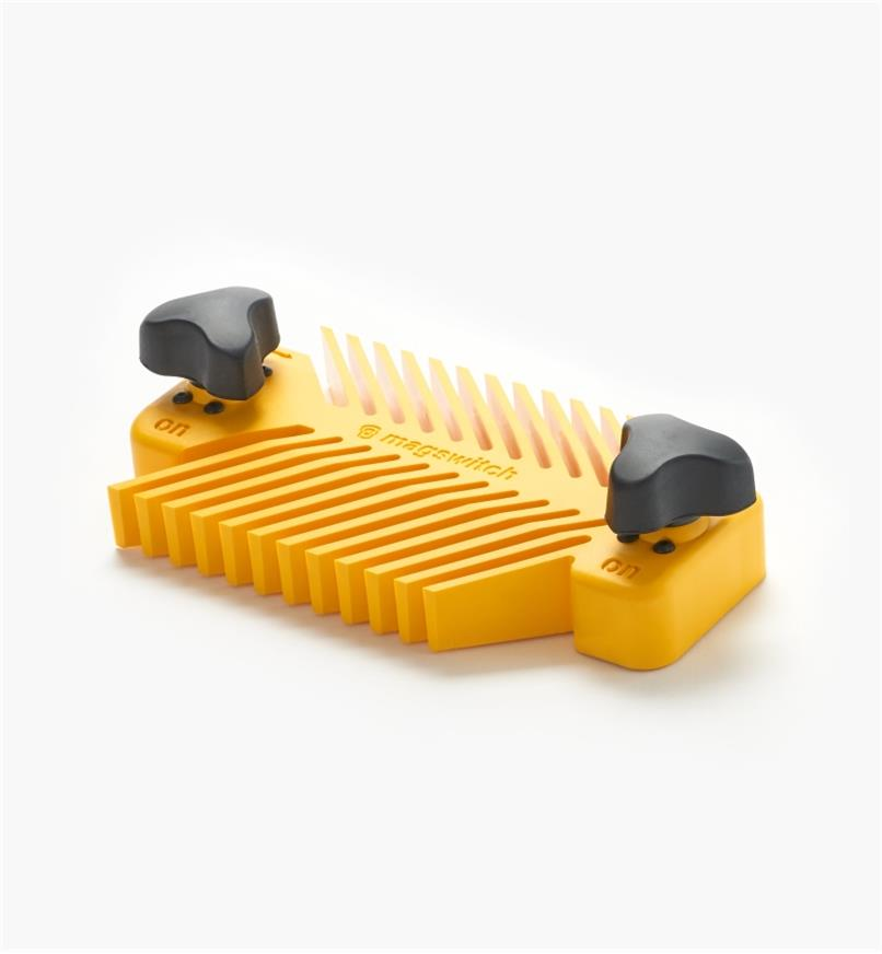 03J7593 - MagSwitch Universal Featherboard