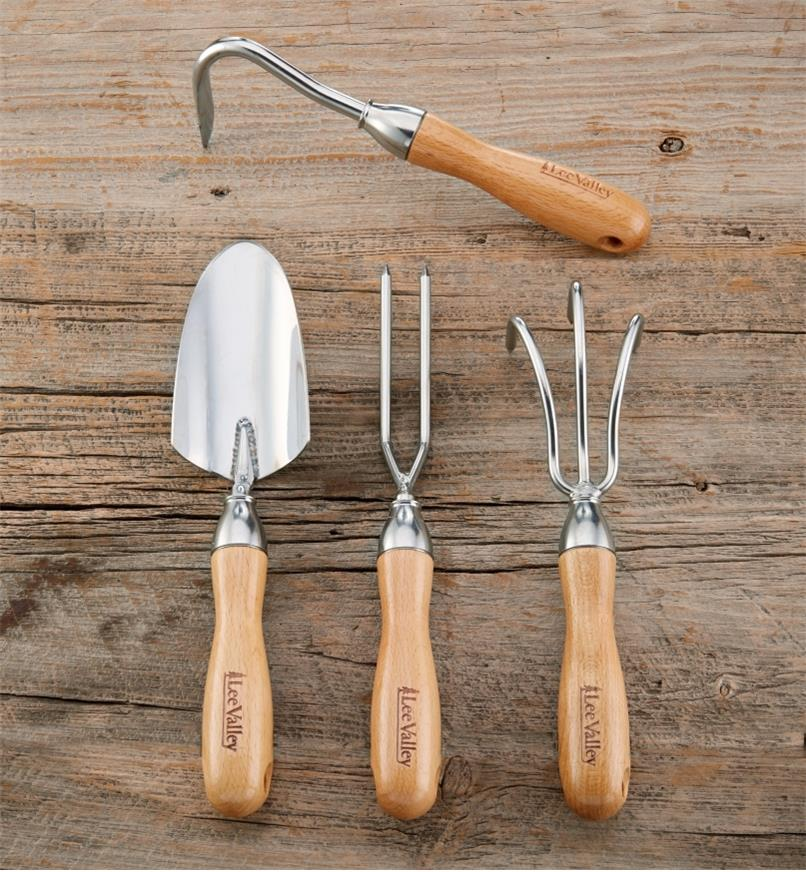 AB631 - Set of 4 Lee Valley Garden Tools