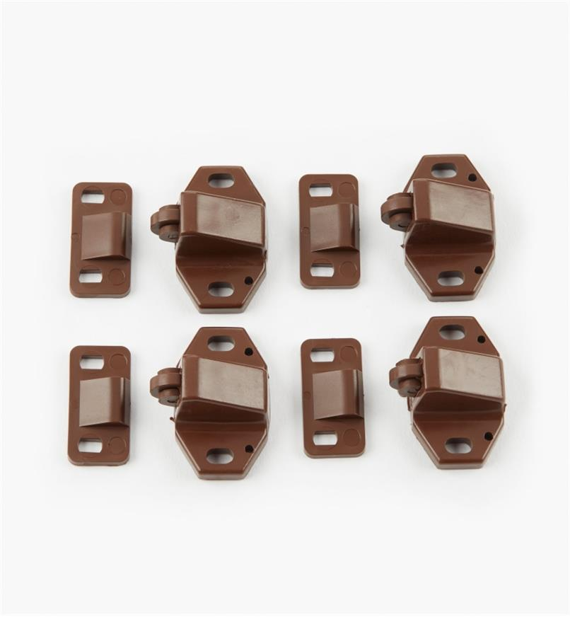 01L0201 - Brown Catches, pkg. of 4