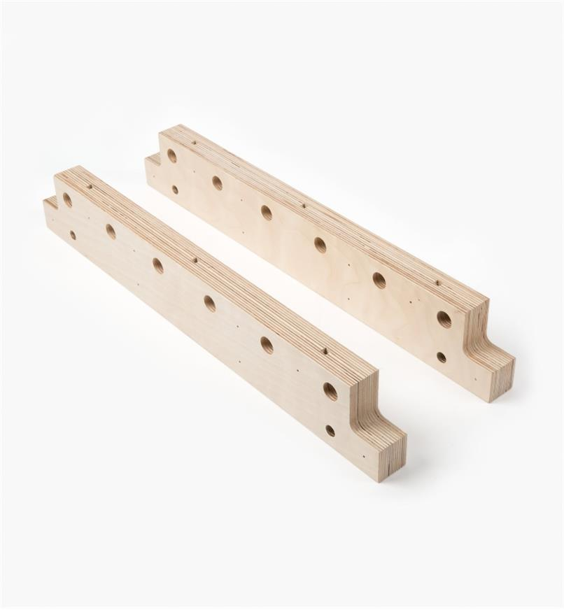 13K1406 - Medium Risers, pair