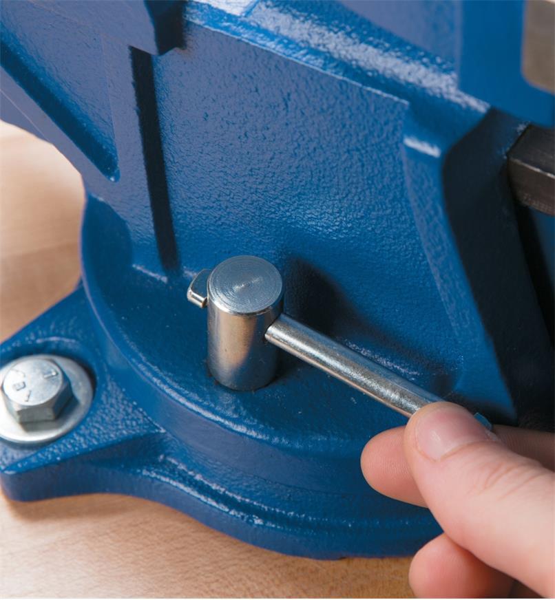 Close-up of handle that locks the swivel base