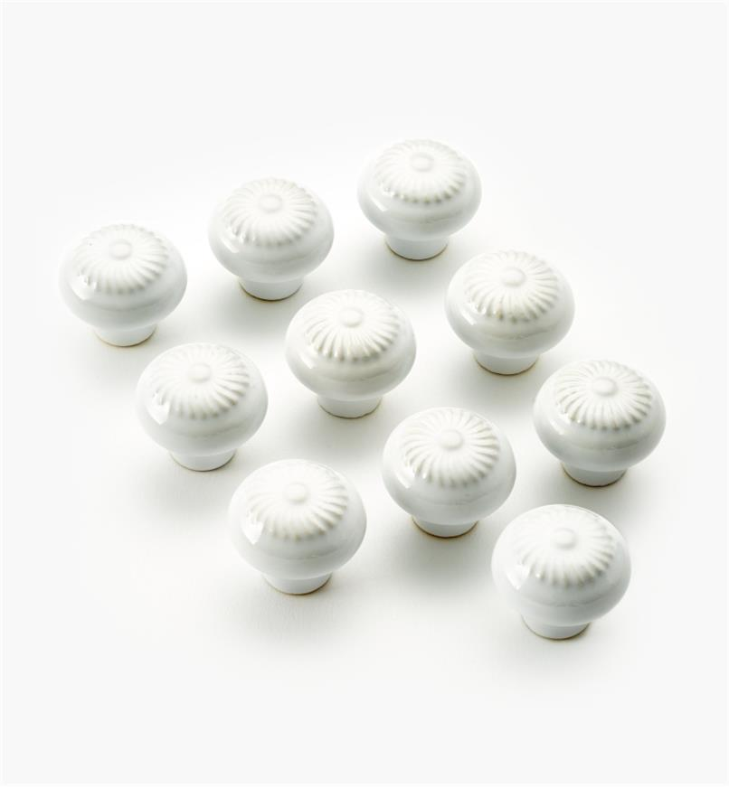 "03W1621 - 1 1/4"" × 1"" Ceramic Embossed Petal Knobs, pkg. of 10"