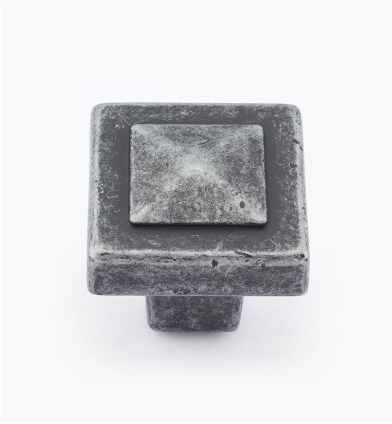 02A0913 - Bouton carré Forgings, fini fer forgé, 1 1/8 po x 1 po