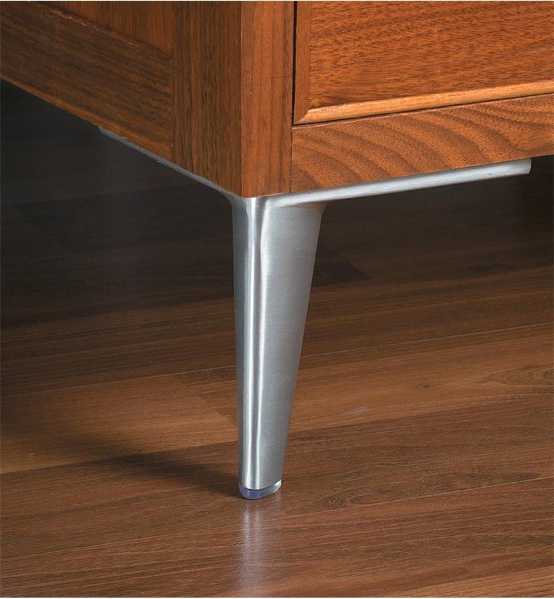 00S8160 - 150mm Aluminum Corner Leg, ea.