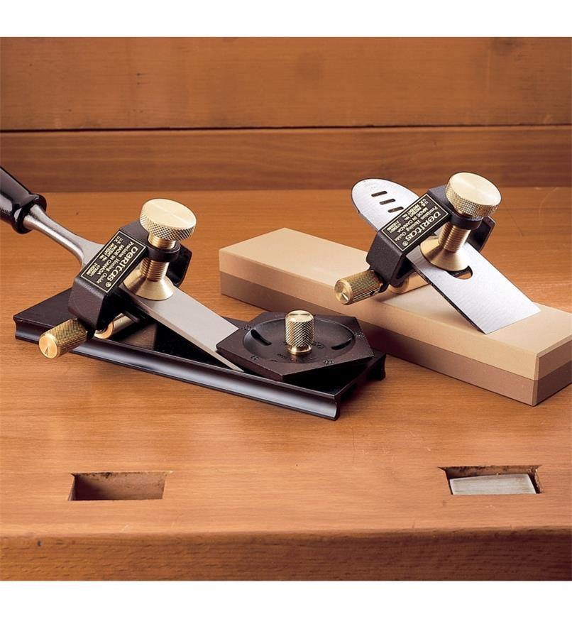 "05D0501 - Cabinetmaker's Set with Sharpening System & 2"" Stone"
