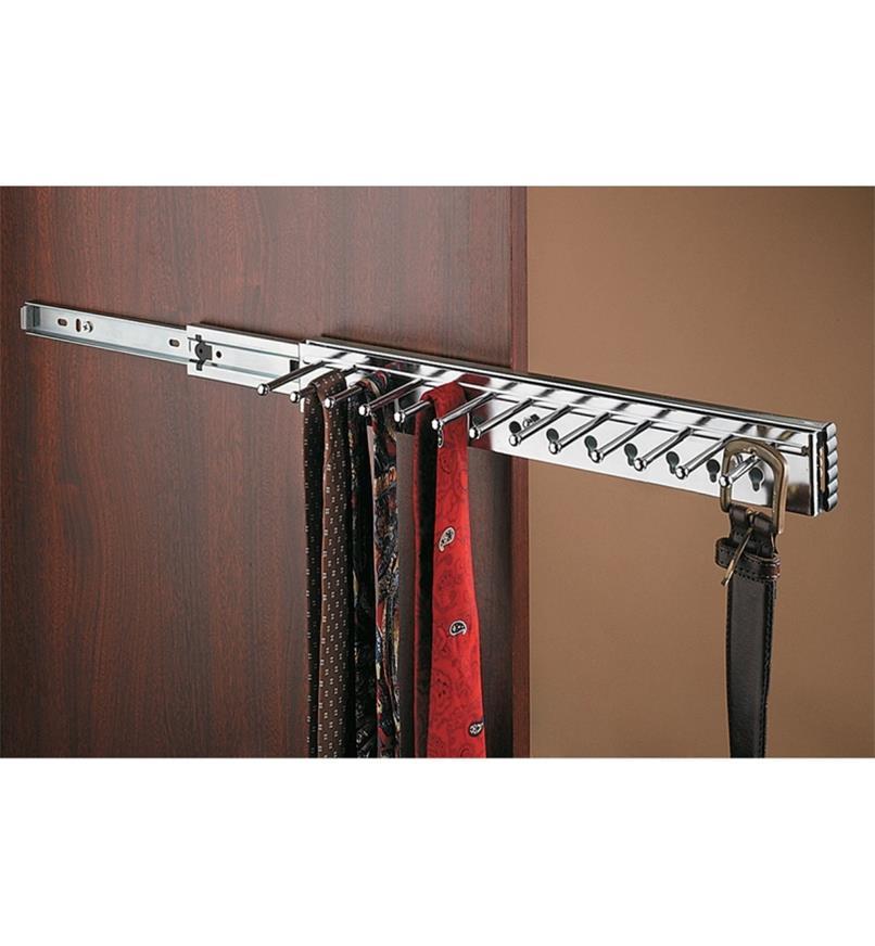 12K2010 - Petit support pour ceintures et cravates