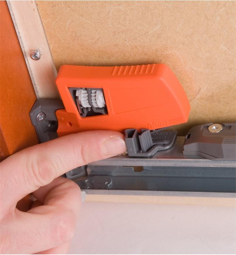 Close-up of height adjustment mechanism