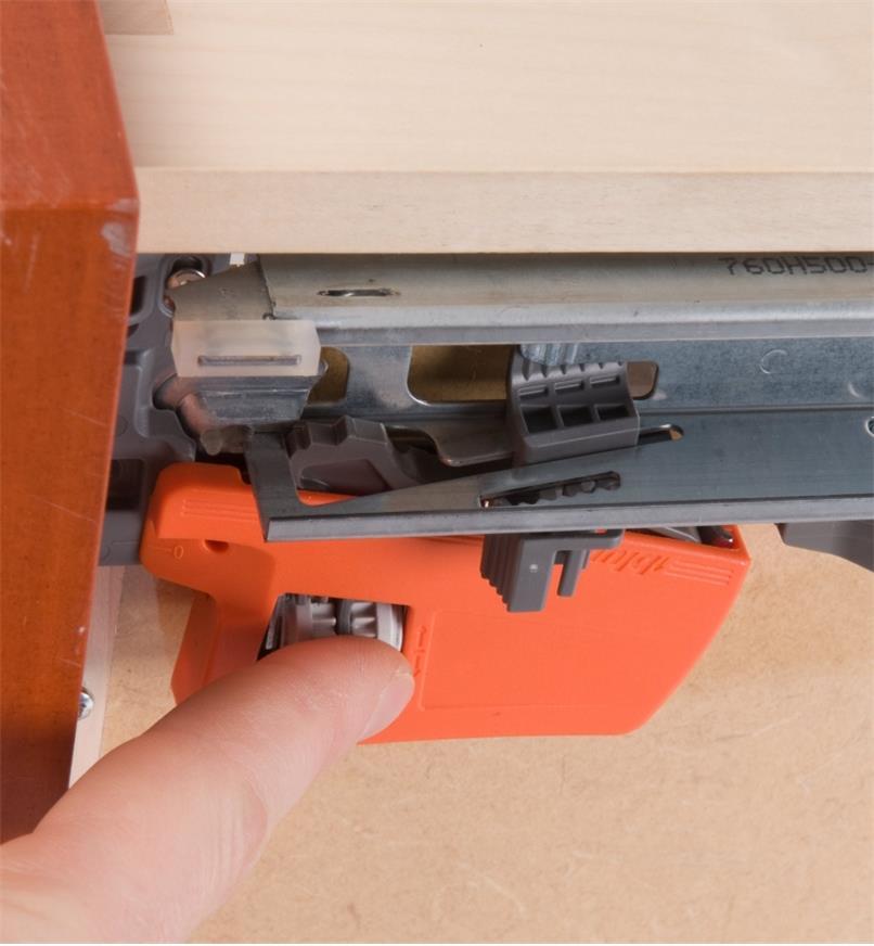 Close-up of side adjustment mechanism