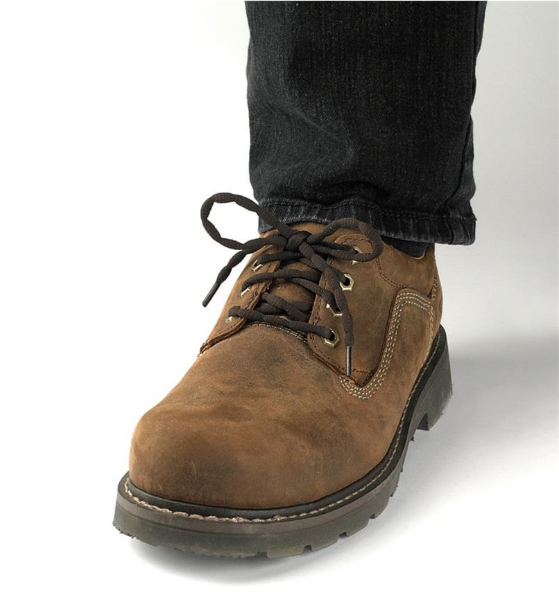 09A0661 - Lacets ondulés de 27 po, brun, la paire
