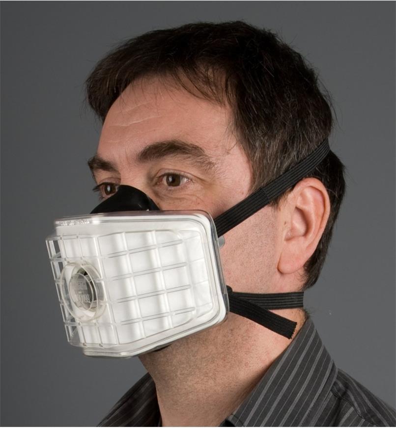22R2025 - Dust Respirator & Filter