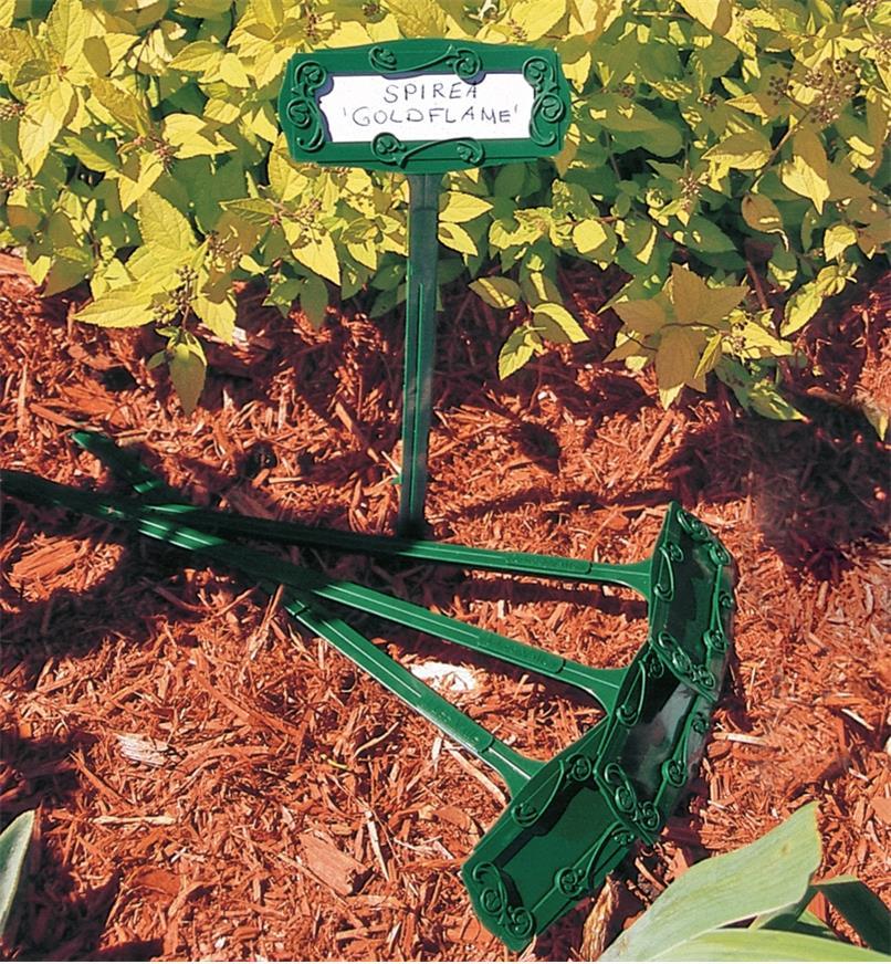 EA608 - Plant Markers/Poly Labels, pkg. of 10