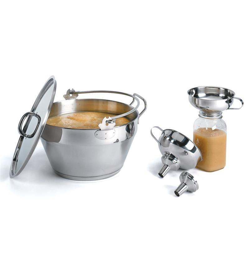 EV269 - Maslin Pan with Lid
