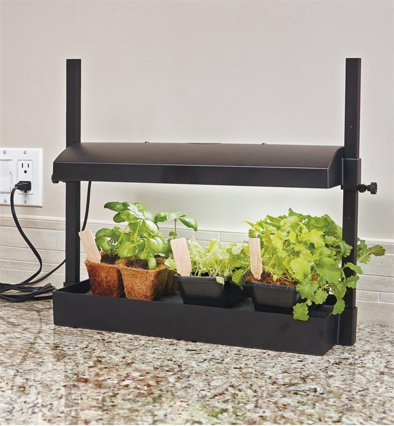 PK523 - Ensemble de jardinage intérieur compact àDEL