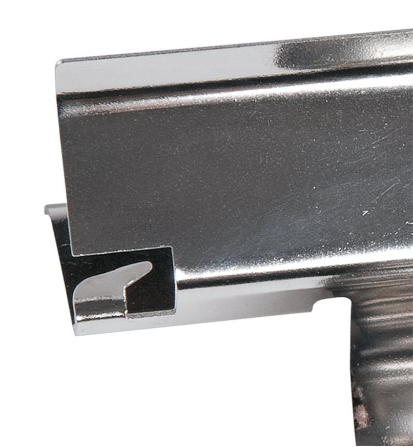09A0444 - Couteau à écosser