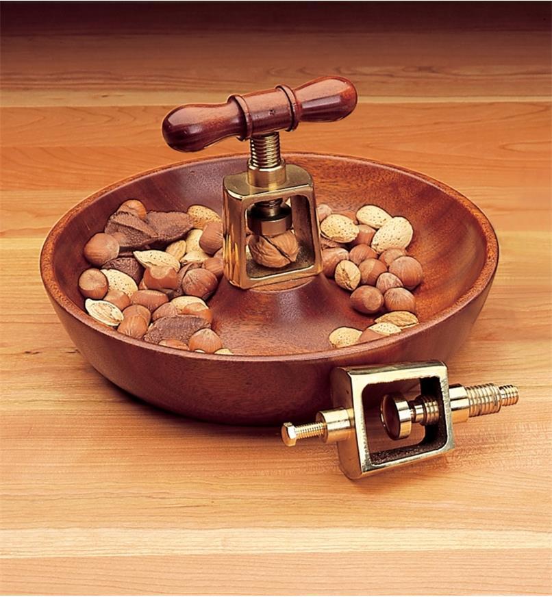 93K2001 - Nut Cracker, each