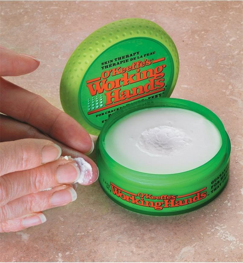 AB704 - O'Keeffe's Working Hands Cream