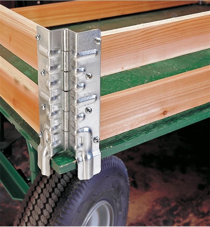 Charnières empilables utilisées pour fabriquer des ridelles de chariot