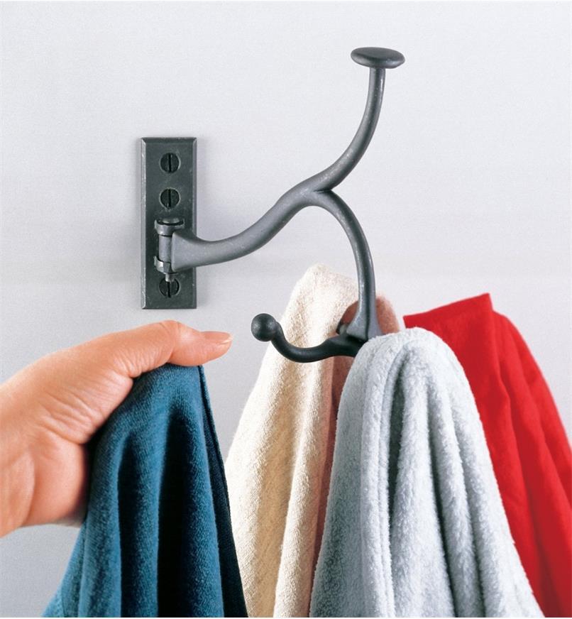 01K2602 - Swivel Coat Hook