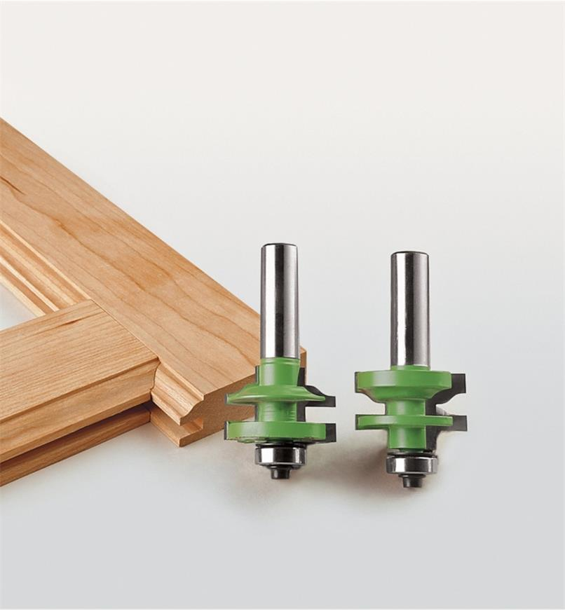 "16J6891 - 1 3/8"" x 7/8"" x 1/2"" Small Ogee Rail and Stile Set"
