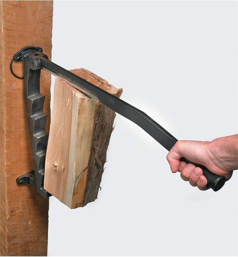65U1510 - Fendeuse à bois d'allumage pour bois mou