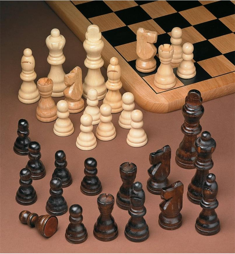 KC568 - Wooden Chess Pieces