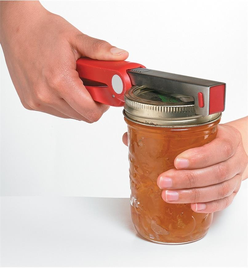 Using the Jar Opener to open a Mason jar