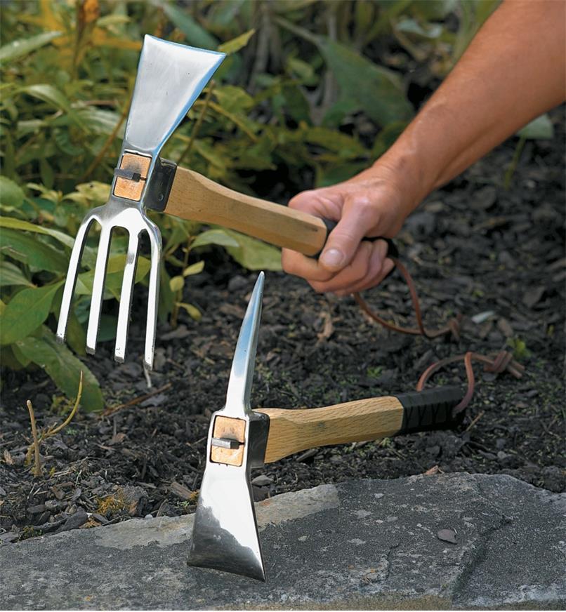 PA315 - Ensemble pioches de jardinier et de terrassier