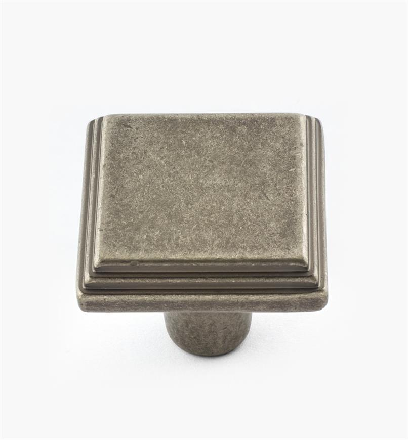 02A3917 - Manor Weathered Nickel Knob