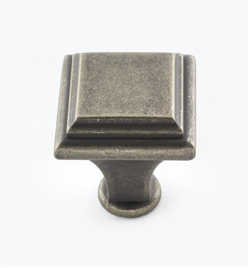 02A3957 - Manor Weathered Nickel Knob