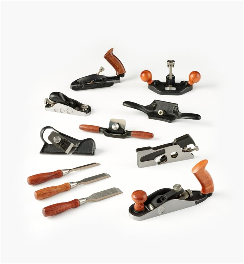 05P8268 - Ensemble complet de 9 outils miniatures Veritas (guillaume, rabot à épaulement, rabot de coupe, rabot d'atelier, guimbarde, vastringue, ciseaux à bois, racloir d'ébéniste, bouvet à approfondir)