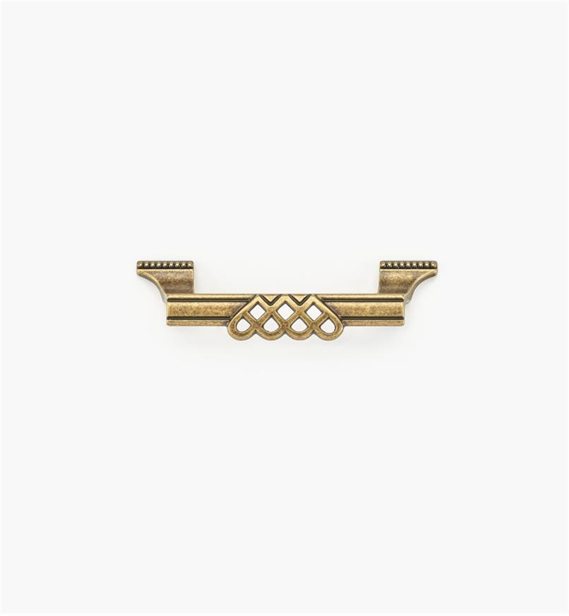 01A3013 - Poignée ornée d'entrelacs et de perles de 5 1/8 po, fini laiton antique (96 mm)