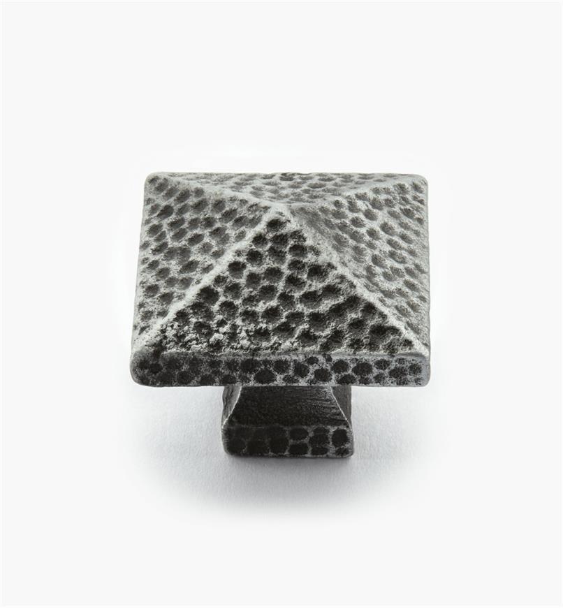 02G0260 - Bouton carré en bronze coulé de 1 1/4 po x 1 1/8 po, étain